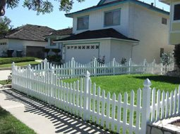 Duramax helped Tim to find the right kind of vinyl fence for his garden area that gets lot of sunlight