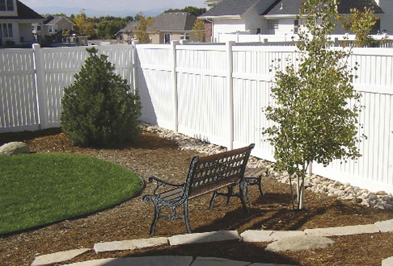 Installing a vinyl fence – Know the advantages of Duramax vinyl fences