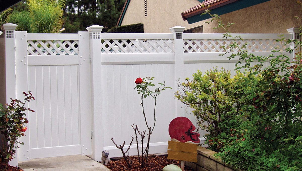 Install a vinyl privacy fence from Duramax – Our fences offer traditional fences