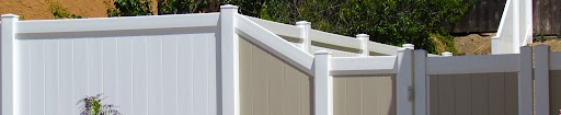 Install a vinyl gate around your home – Discover the advantages of vinyl